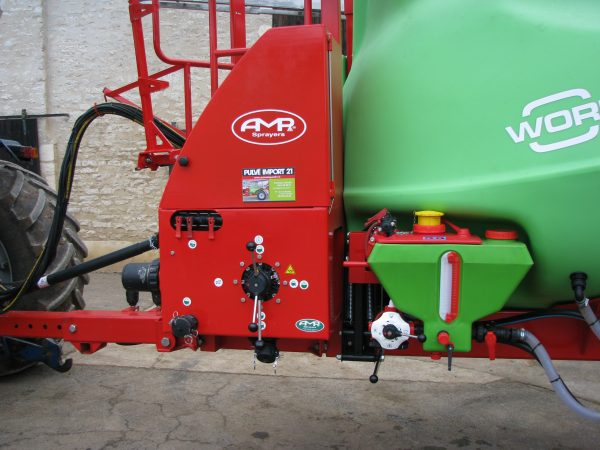 Pulvérisateur 28 mètres 6000 litres